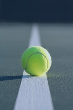 tennis-ball-on-line